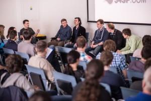 Debata z blogerami