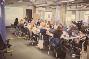 Aga przedstawia agendę szkolenia z WordPressa